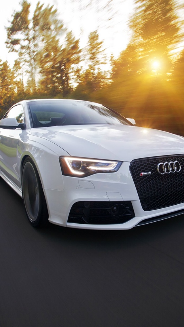 White audi iPhone 5 wallpaper 640x1136