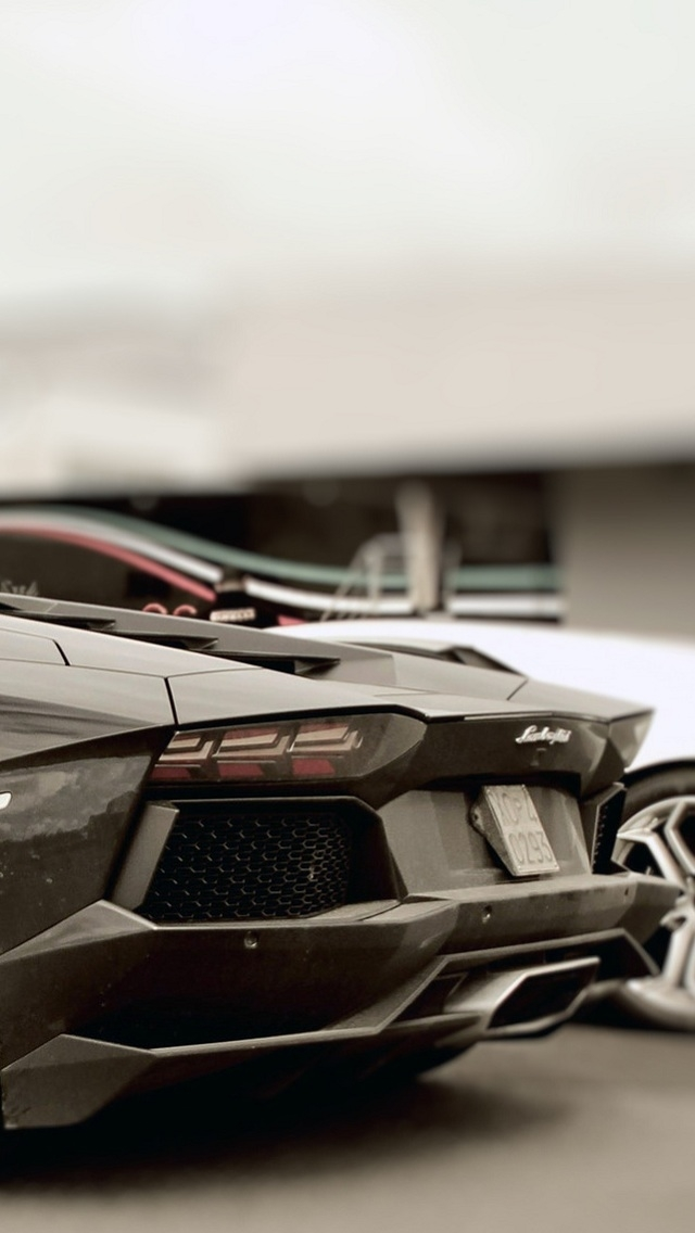 Wallpapers-For-iPhone-5-Cars-152-640×1136