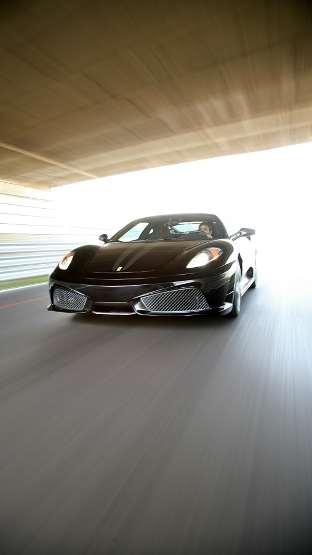Wallpapers-For-iPhone-5-Cars-18-640×1136