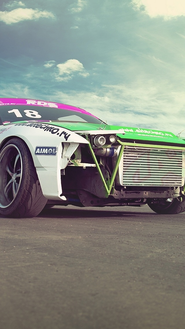 Wallpapers-For-iPhone-5-Cars-53-640×1136