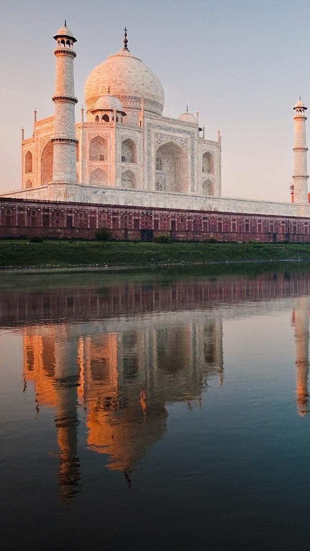 Taj Mahal view iPhone 5 wallpaper 640*1136