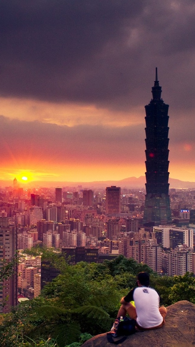 City view iPhone 5 wallpaper 640*1136