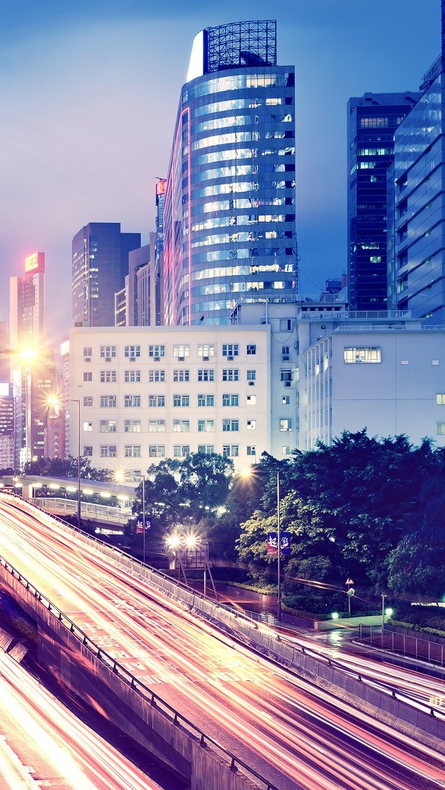 Road City view iPhone 5 wallpaper 640*1136