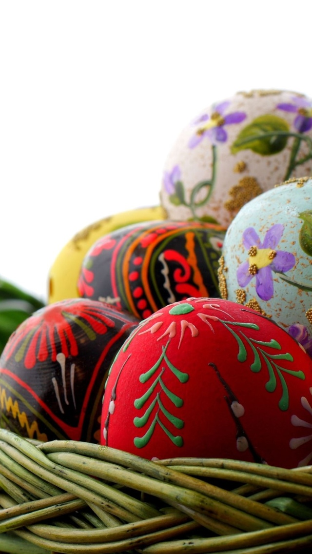 Basket with Easter Eggs iPhone 5 wallpaper 640*1136
