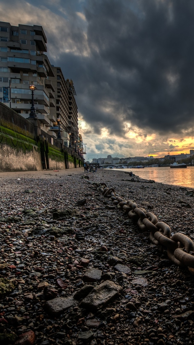 London shore iPhone 5 wallpaper 640*1136