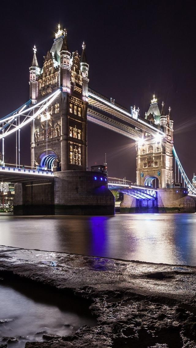 London bridge at night iPhone 5 wallpaper 640*1136
