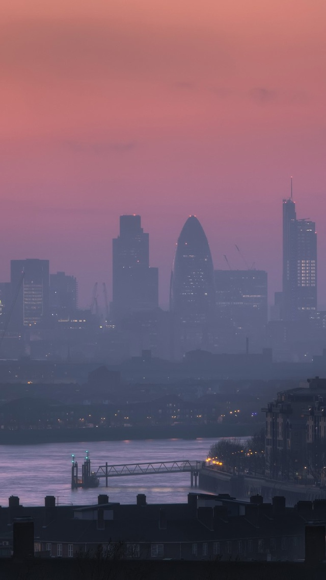 Fog London iPhone 5 wallpaper 640*1136