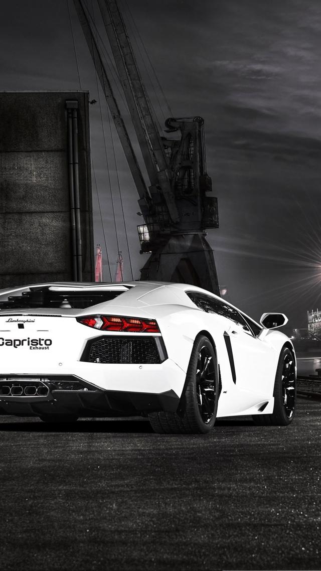 Lamborghini Aventador Luxury 640x1136