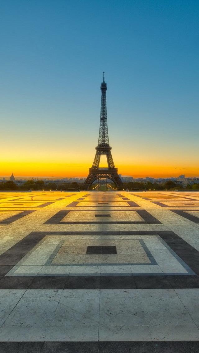Eiffel Tower at sunrise Paris iPhone 5 wallpaper 640*1136