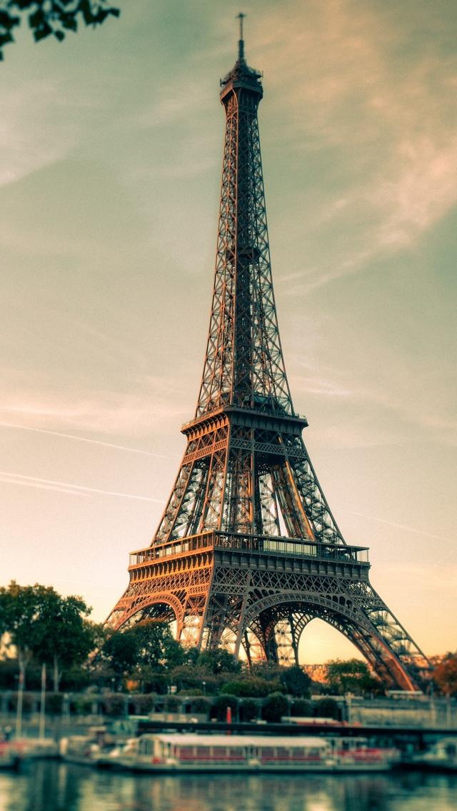 Paris Eiffel Tower View iPhone 5 wallpaper 640*1136