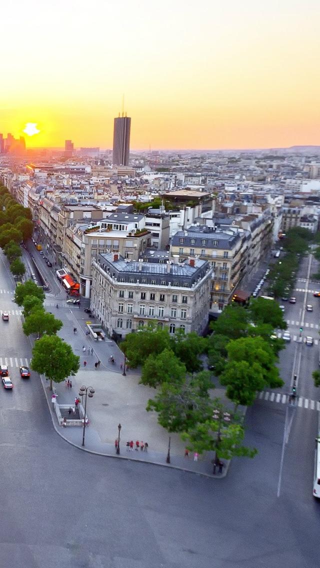 Streets of Paris iPhone 5 wallpaper 640*1136
