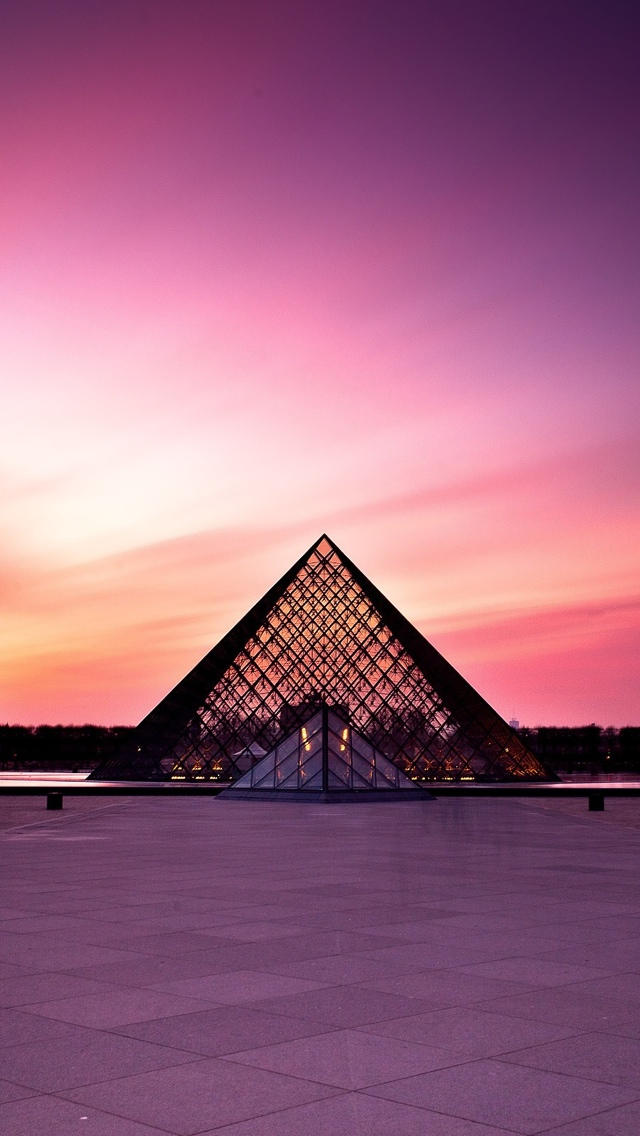 Louvre Pyramid in Paris iPhone 5 wallpaper 640*1136