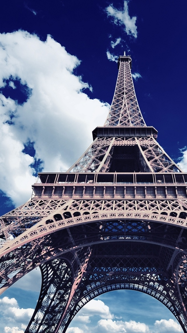 Eiffel Tower in Paris iPhone 5 wallpaper 640*1136