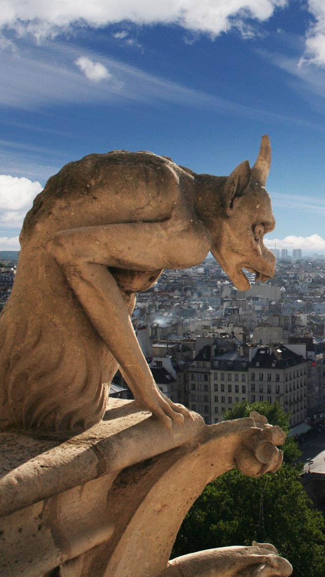 Notre Dame Gargoyle in Paris iPhone 5 wallpaper 640*1136