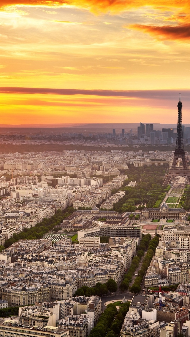 Panoramic view Paris iPhone 5 wallpaper 640*1136
